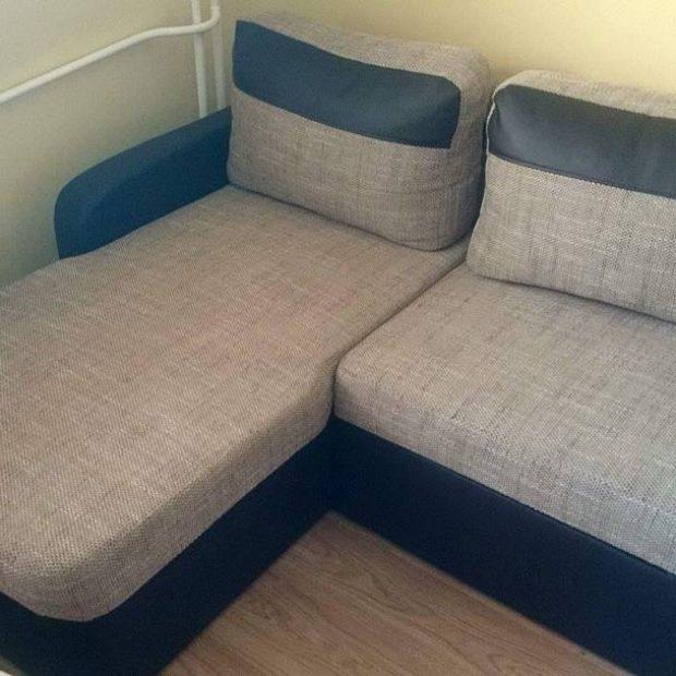 Narożnik i krzesła